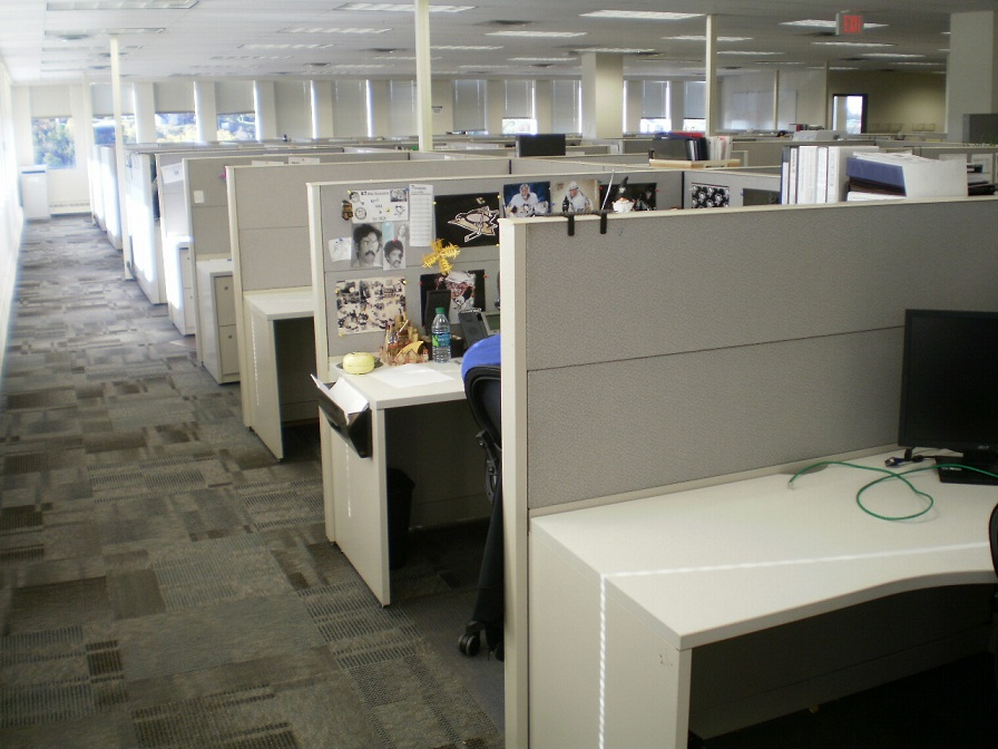 Pole Based Cubicles : Steelcase answer  high panels